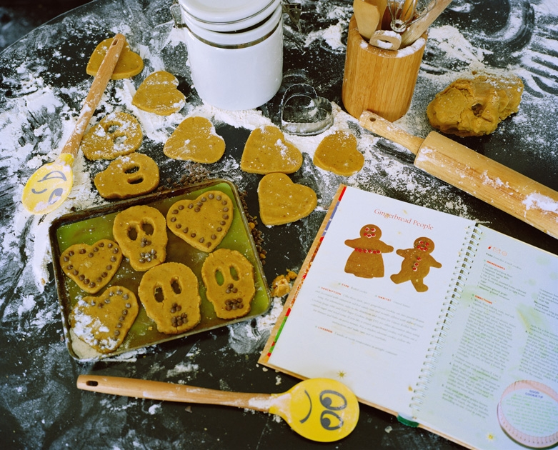 http://www.santiagoforero.com/files/gimgs/th-41_santiago-forero-story-about-friends-gingerbread-people_v4.jpg